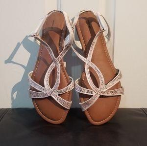 Never Worn Avenue Gold Sandals